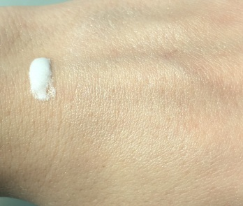 L'oréal Lumi Magique Pure Light Primer Swatch
